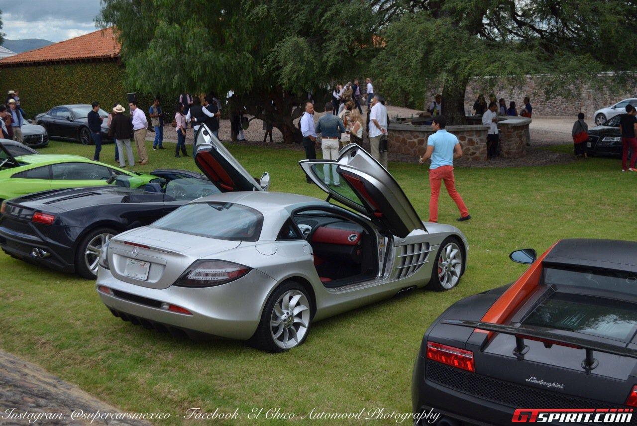 Фото   Суперкар Mercedes-Benz SLR