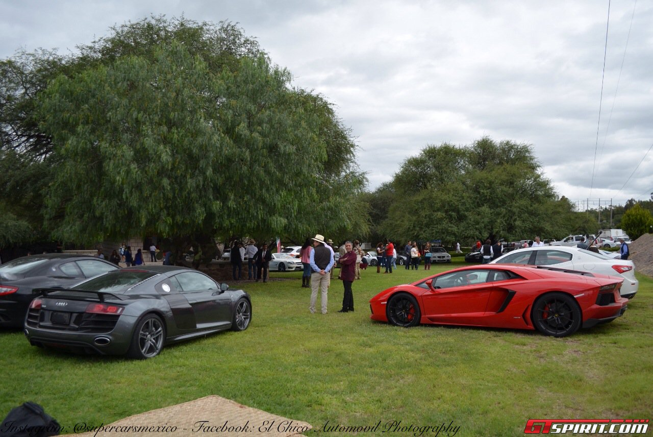 Фото   Audi R8 и Lamborghini Aventador