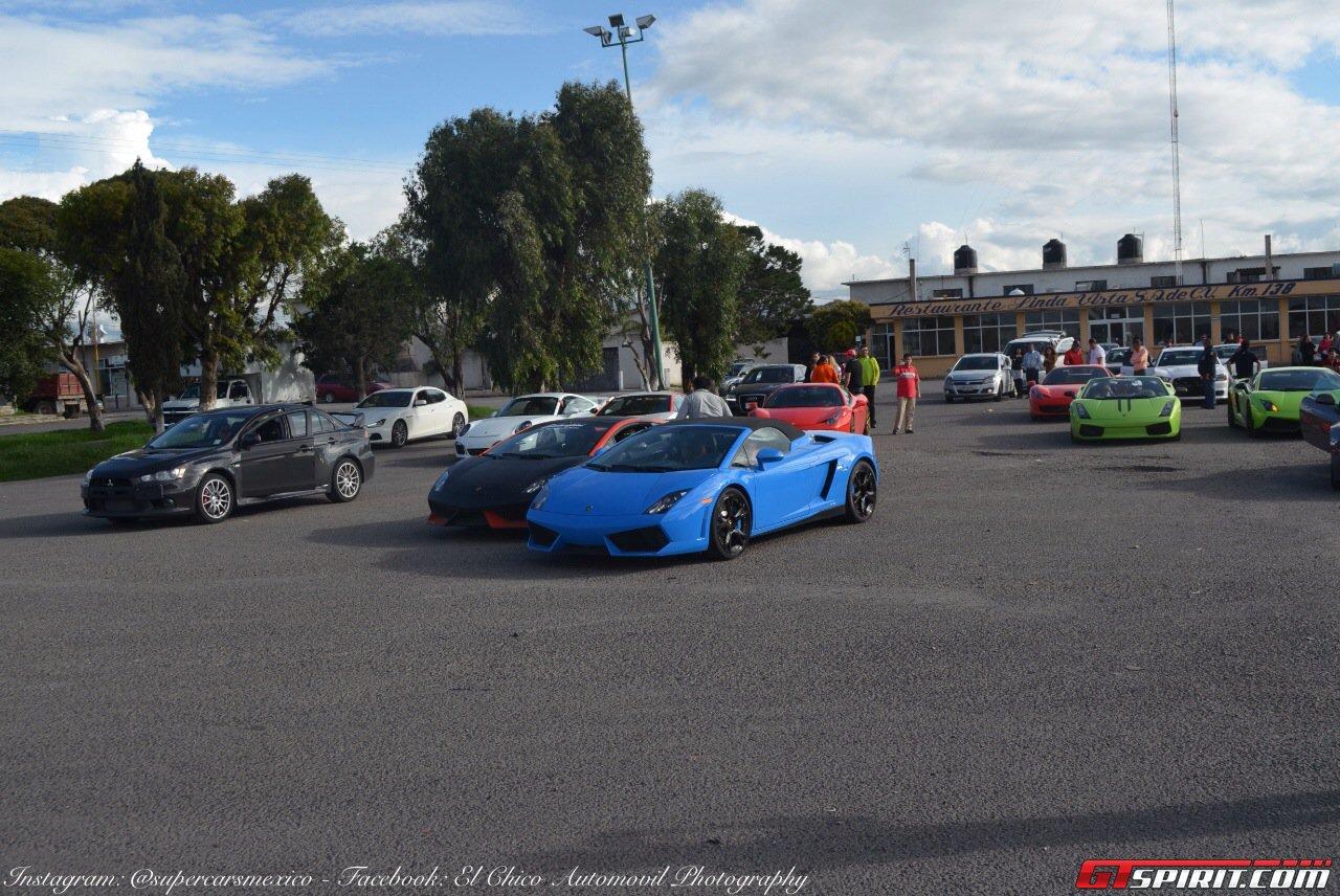 Фото   Суперкары Lamborghini на слете владельцев в Мексике