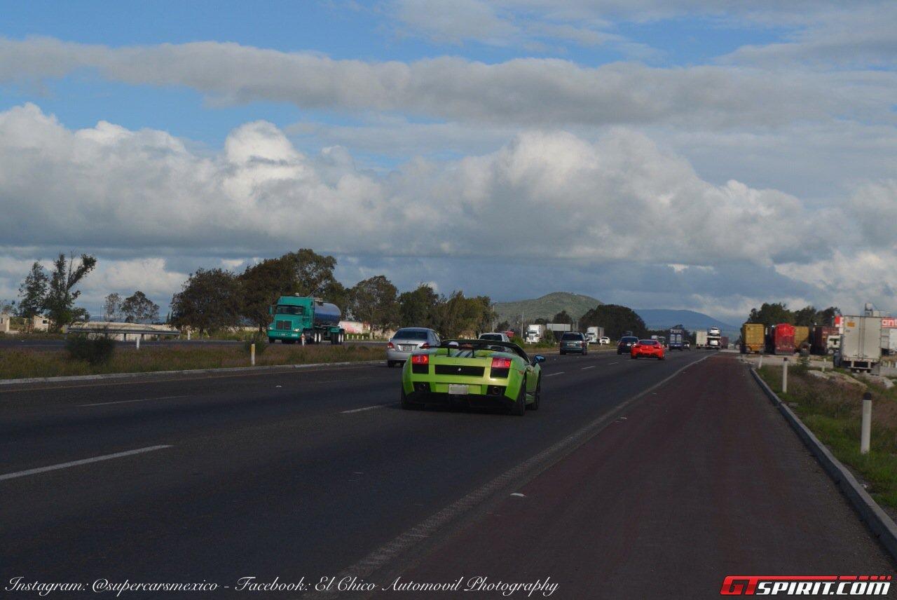Фото   Родстер Lamborghini Gallardo Spyder на трассе в Мексике