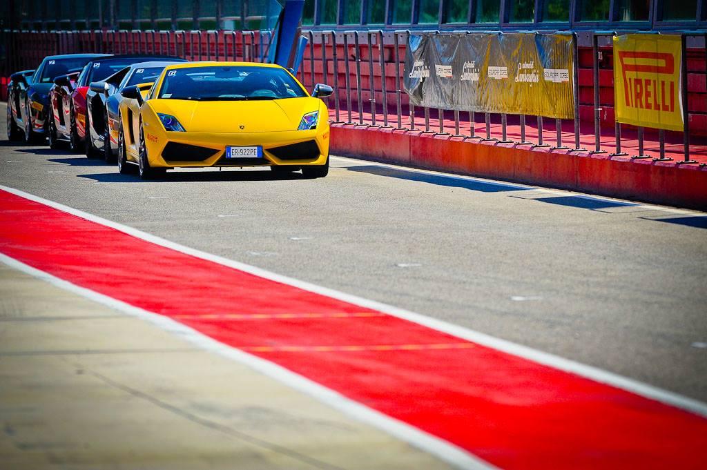 Фото   Курсы экстремального вождения Lamborghini Laguna Seca