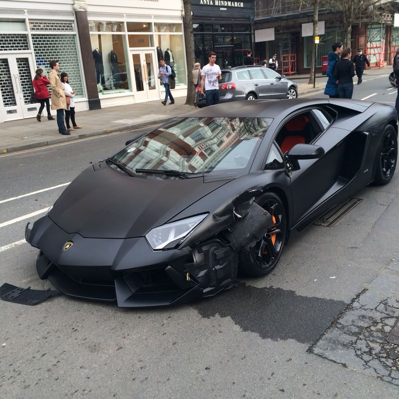 matte black lamborghini aventador crashes in london. Black Bedroom Furniture Sets. Home Design Ideas