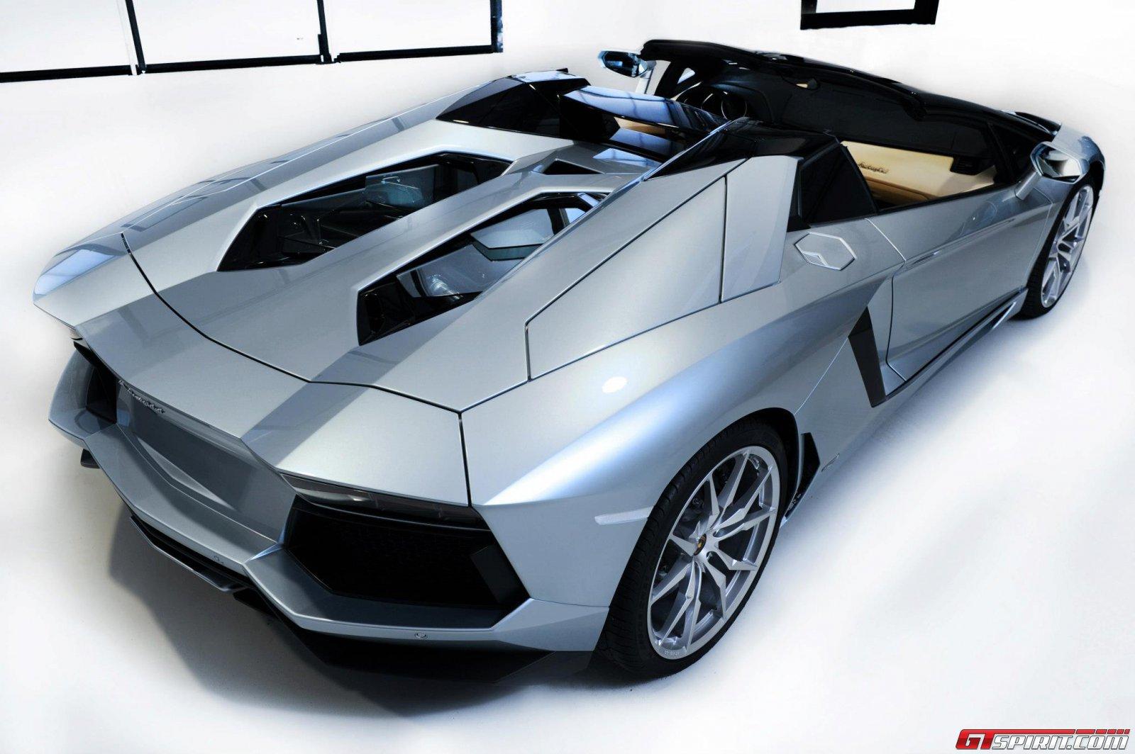 2013 Lamborghini Aventador LP700-4 Roadster Photo 24