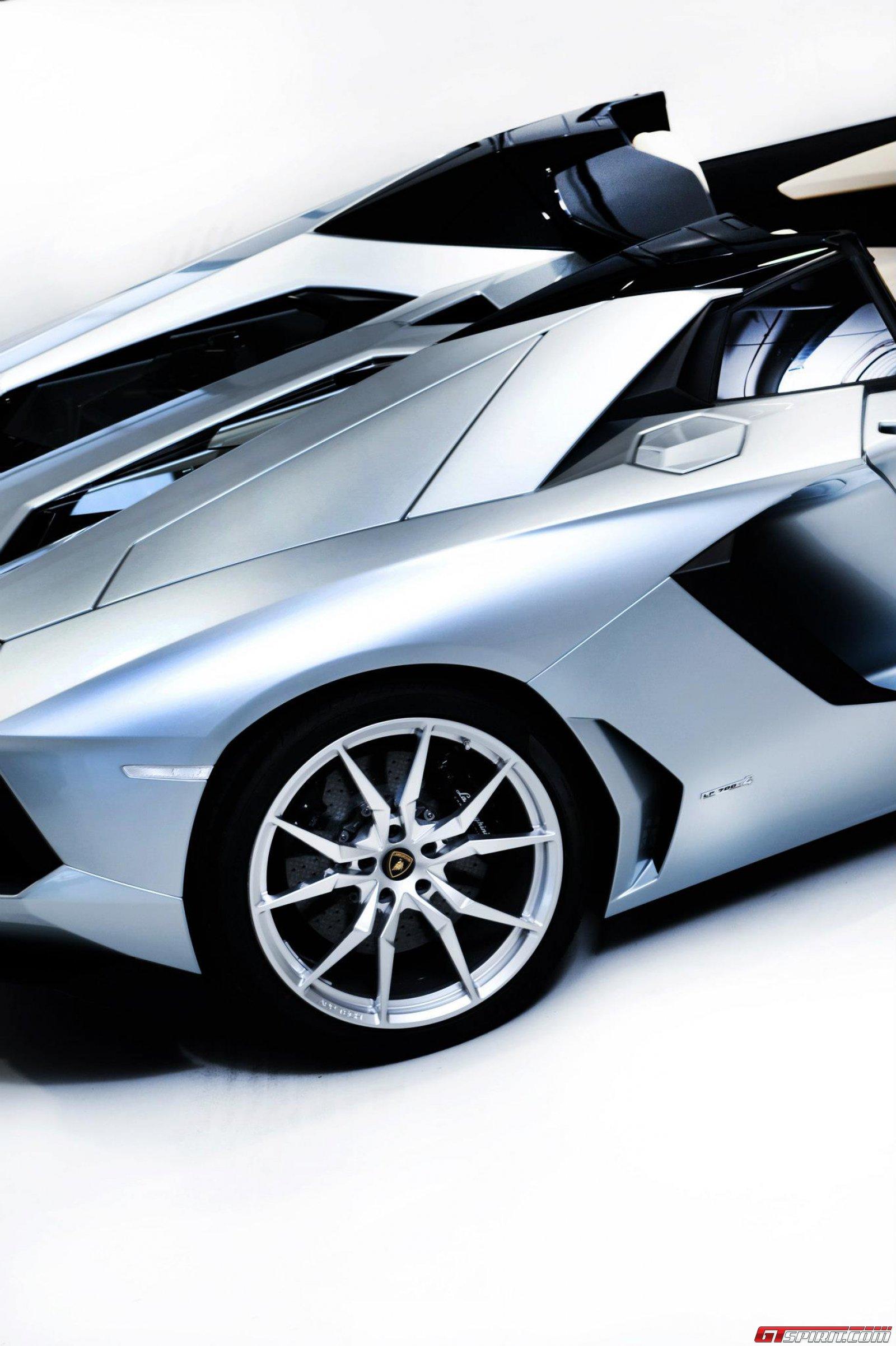 2013 Lamborghini Aventador LP700-4 Roadster Photo 28