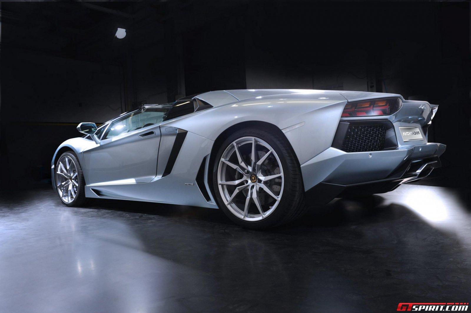 2013 Lamborghini Aventador LP700-4 Roadster Photo 16