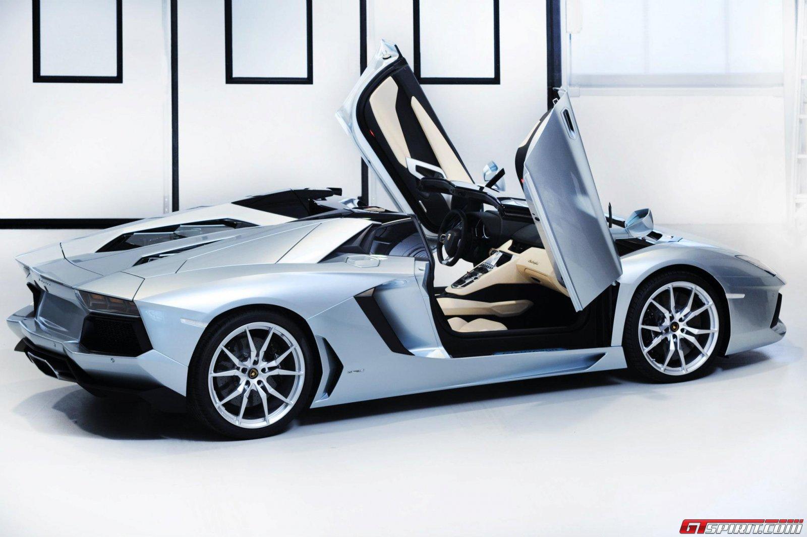 2013 Lamborghini Aventador LP700-4 Roadster Photo 25