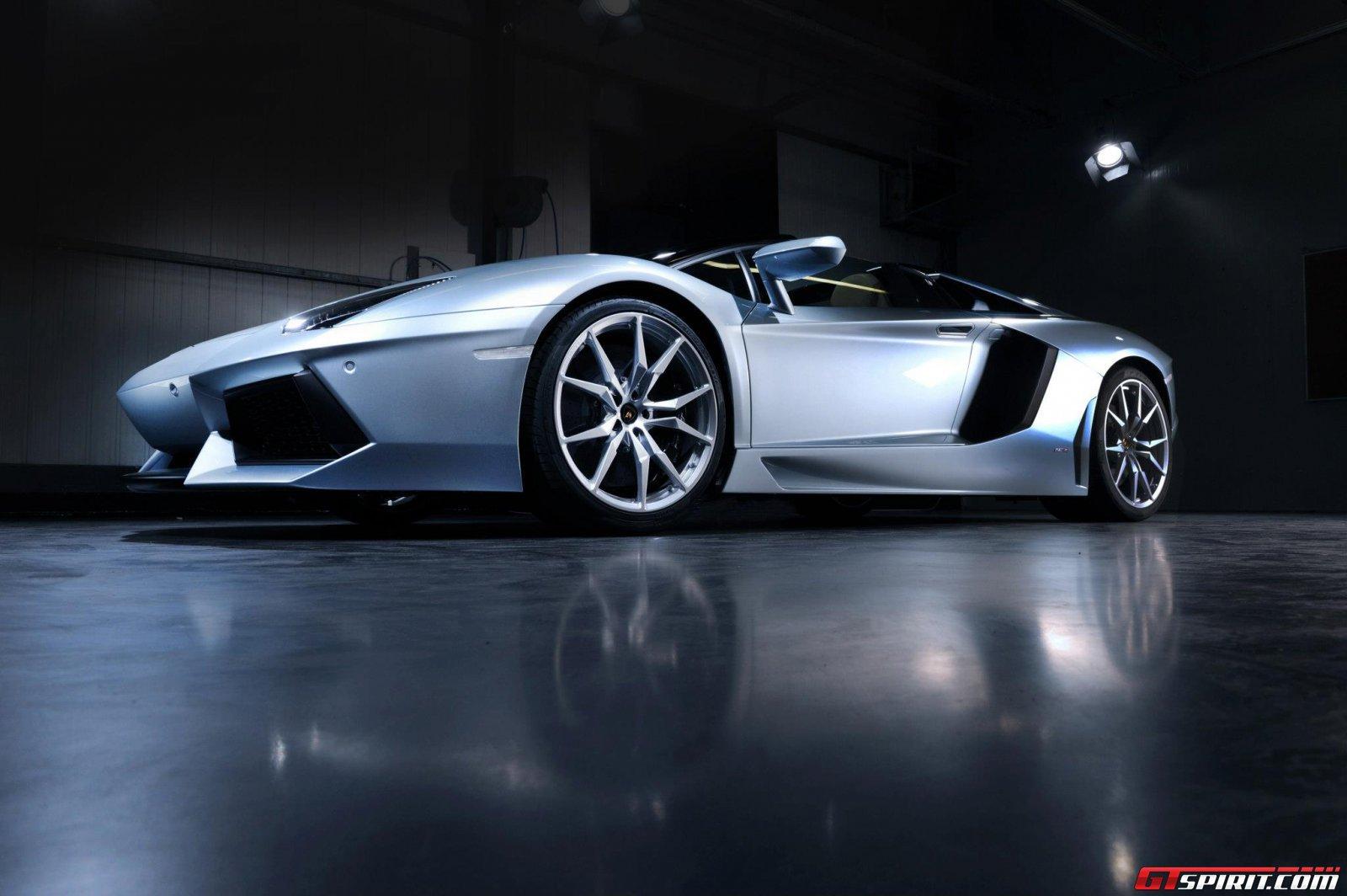 2013 Lamborghini Aventador LP700-4 Roadster Photo 13