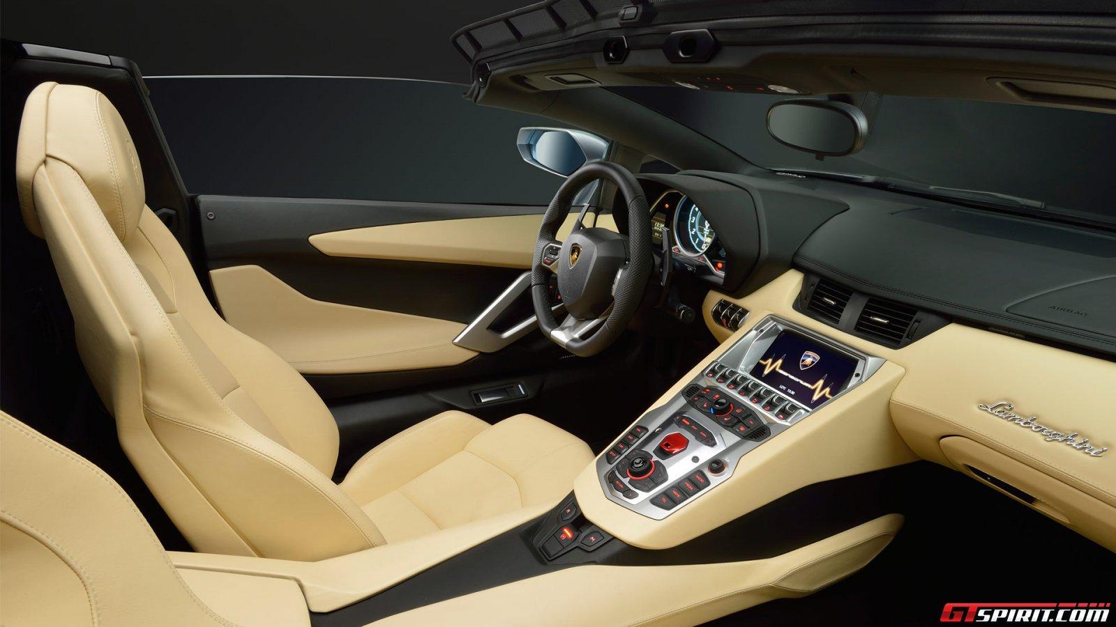 2013 Lamborghini Aventador LP700-4 Roadster Photo 9