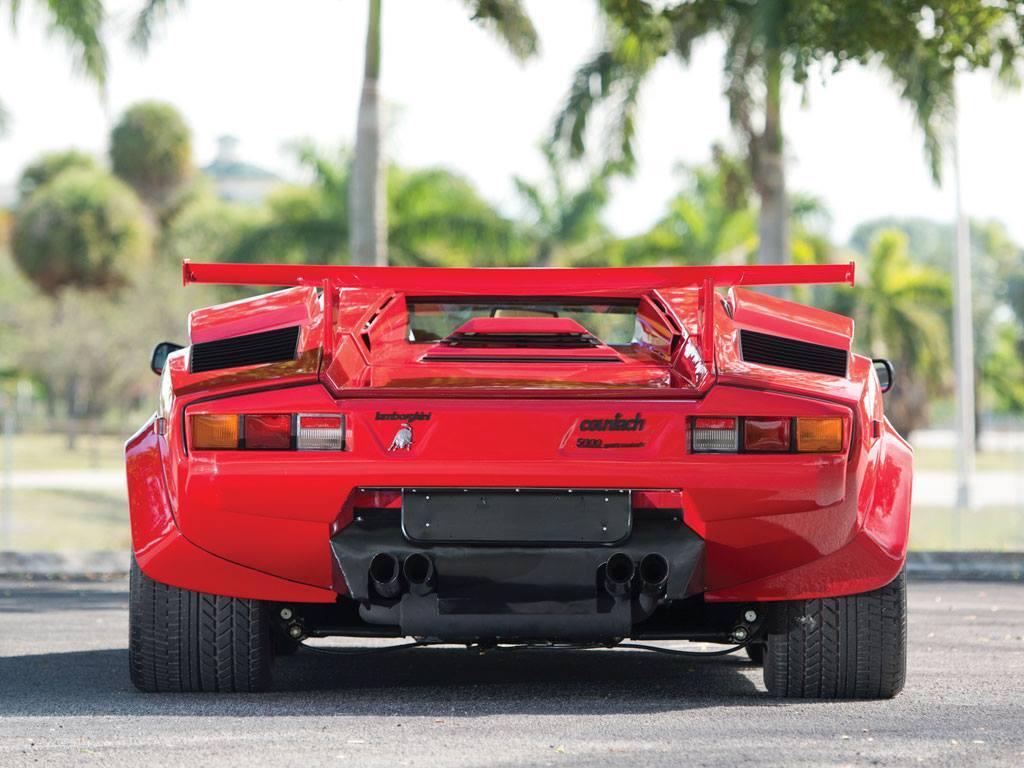 Суперкар Lamborghini Countach 5000 QV