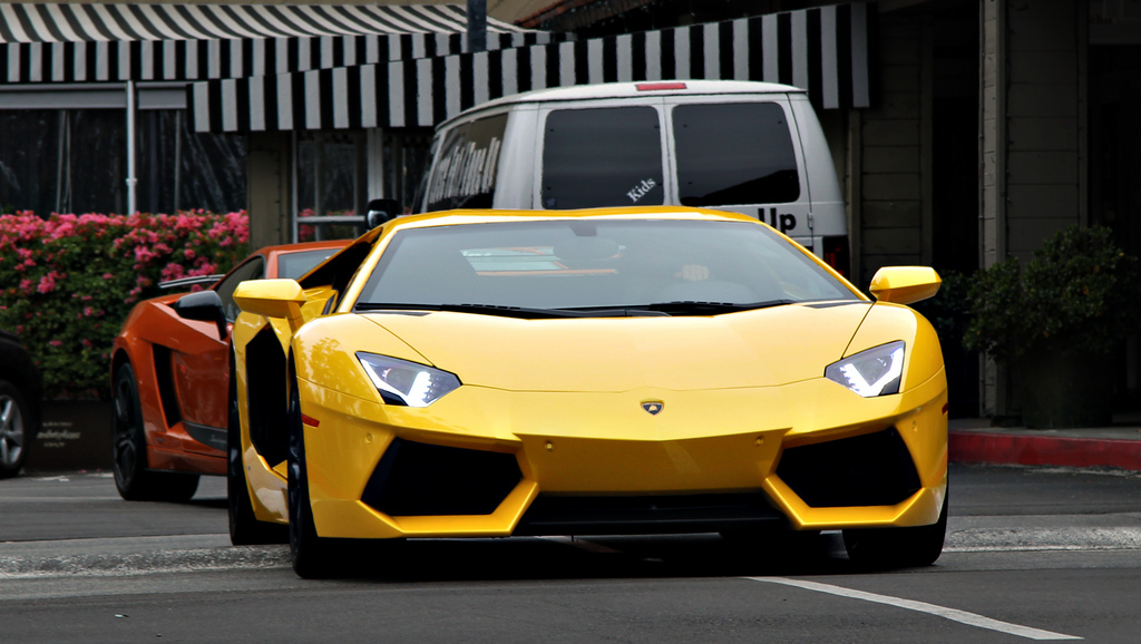 Giallo Evros Lamborghini LP700-4 Aventador