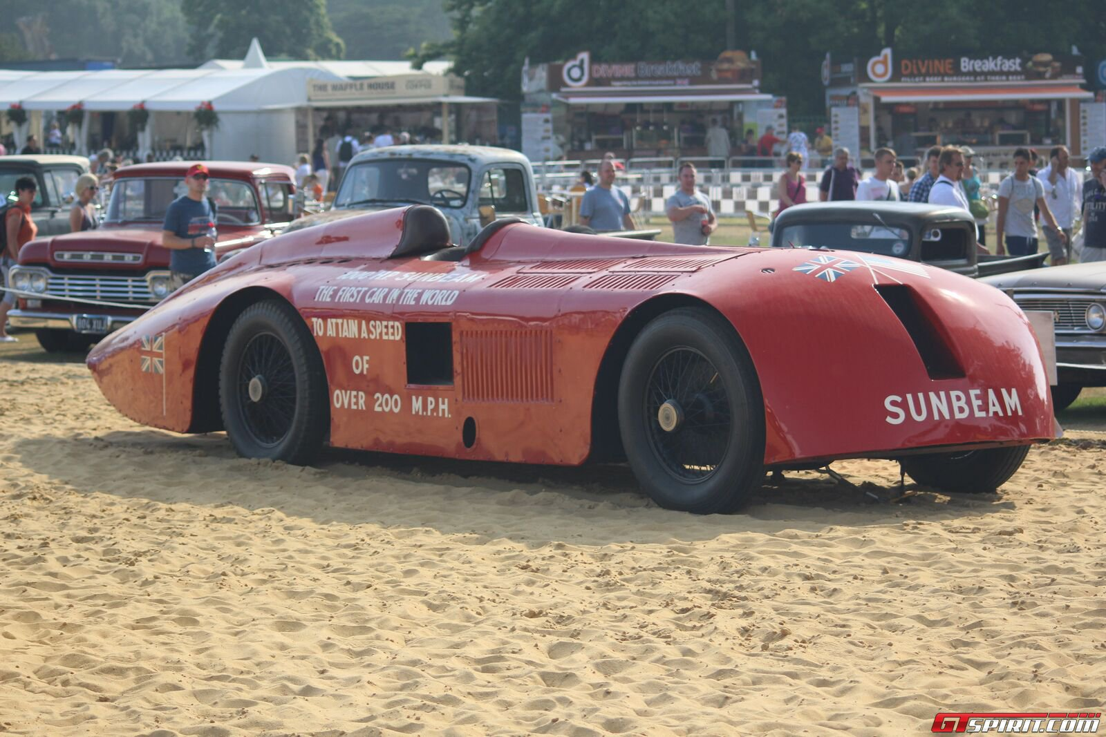 land speed record The current land speed record broke the speed of sound, going more than 1,000kph now, the holders andy green, and richard noble, who has been leading the way in lsr attempts since the early 80s.