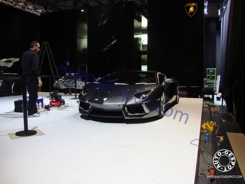 Picture 1 of 5. Live Pictures 2012 Lamborghini LP700-4 Aventador