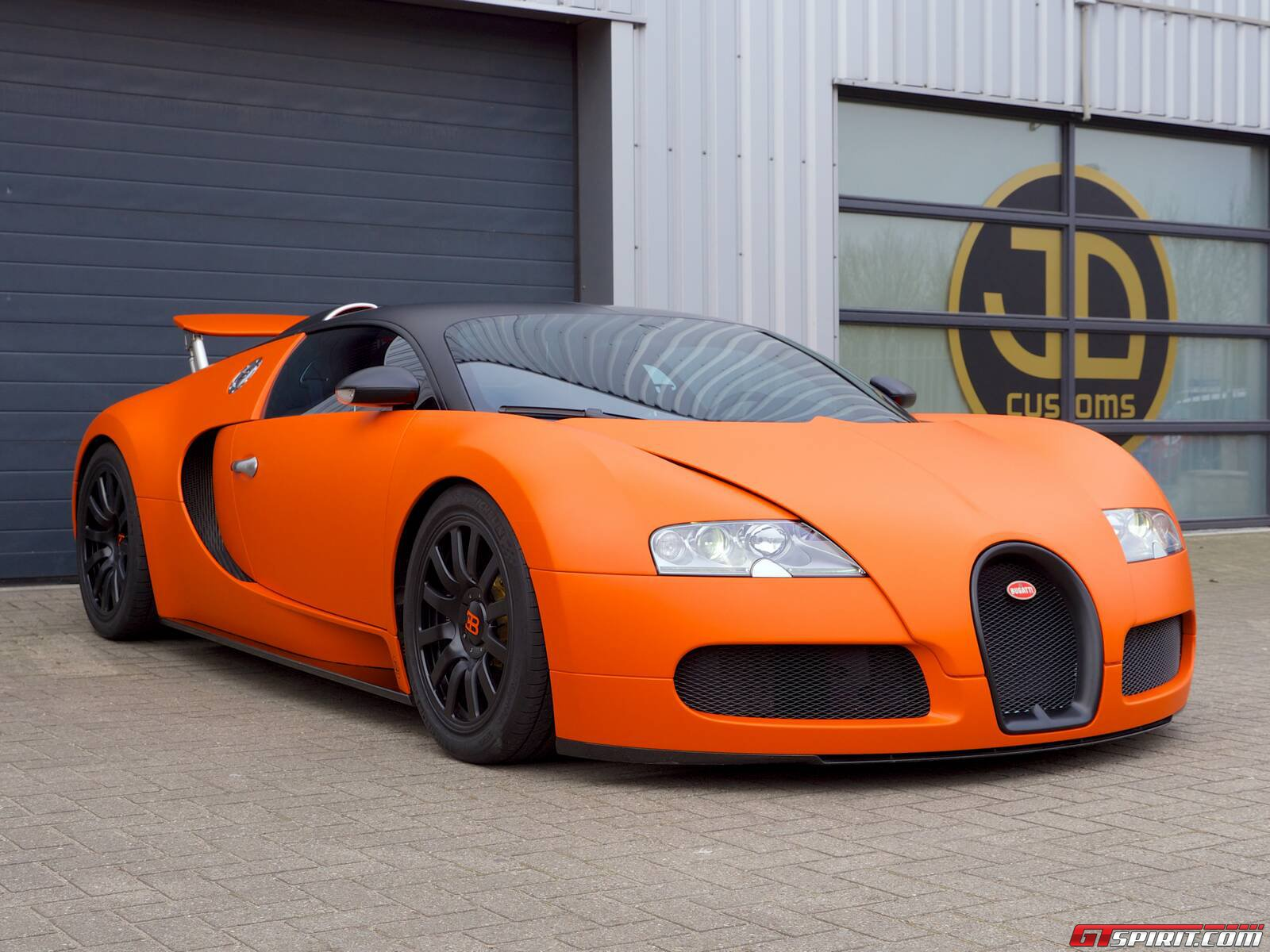 gallery matte orange bugatti veyron wrap by jd customs. Black Bedroom Furniture Sets. Home Design Ideas