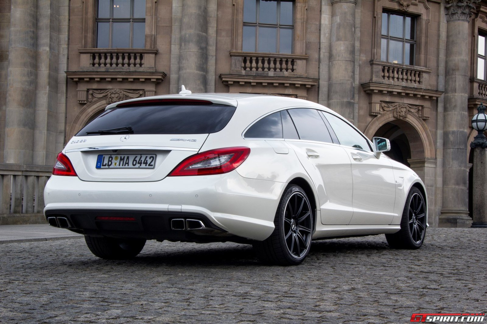 road test mercedes benz cls 63 amg shooting brake. Black Bedroom Furniture Sets. Home Design Ideas