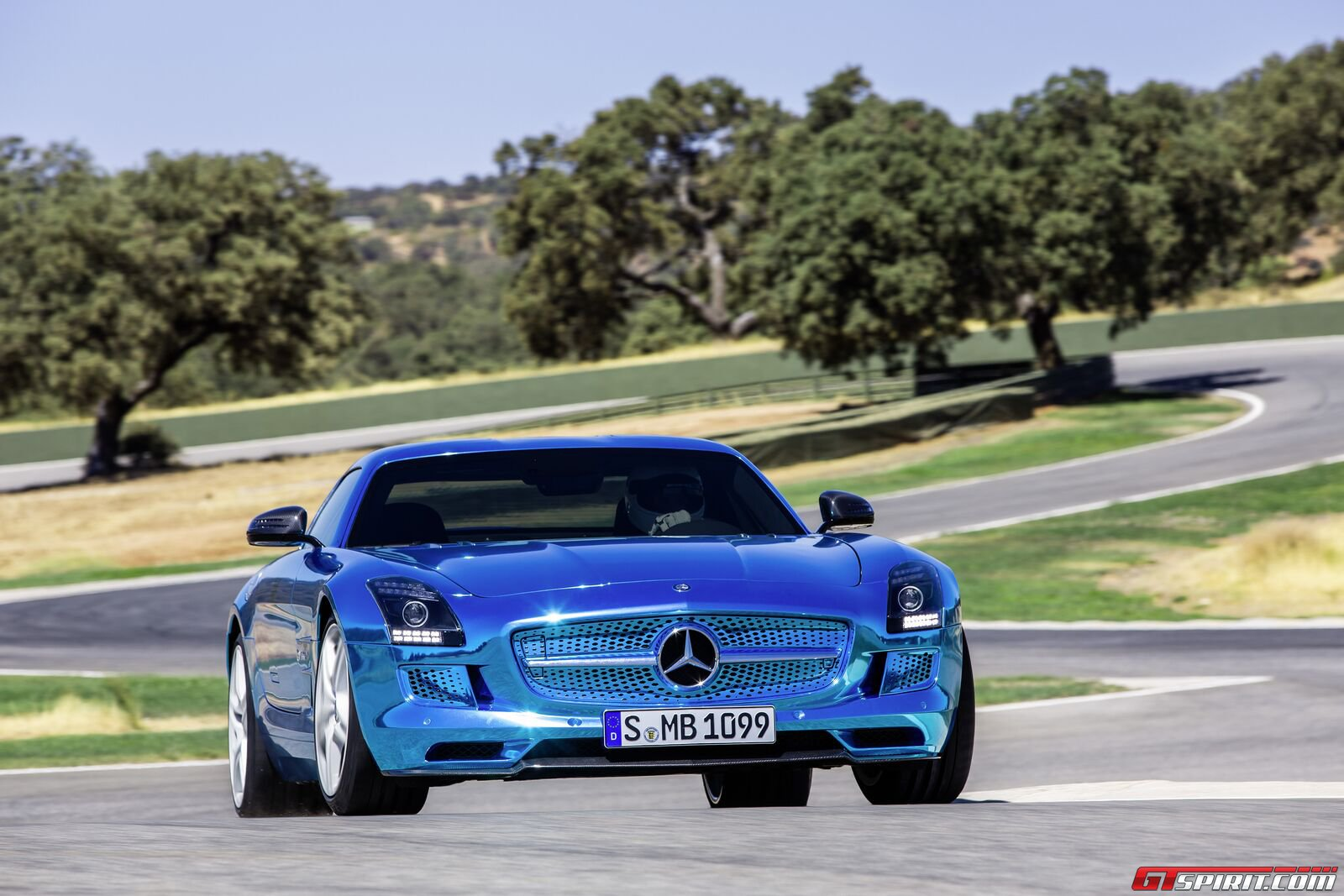 Color Mercedes Benz Sls Amg Electric Drive 6speedonline
