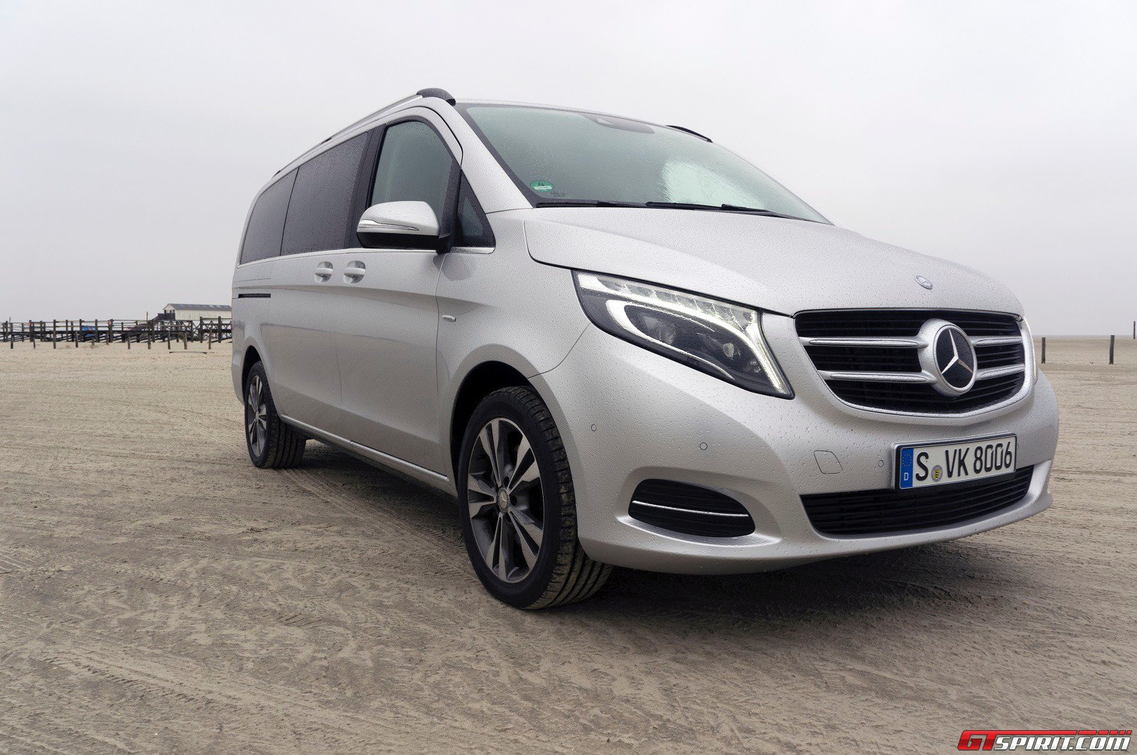 mercedes benz v class review. Black Bedroom Furniture Sets. Home Design Ideas