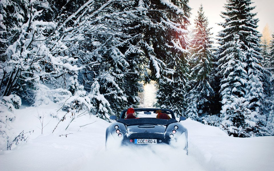 Merry Christmas From Supercar Manufacturers Photo 16
