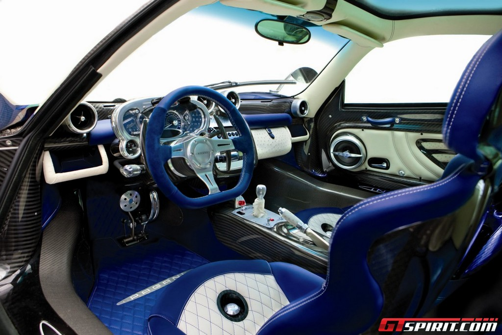 http://www.gtspirit.com/wp-content/gallery/official-pagani-zonda-tricolore/image00003.jpg