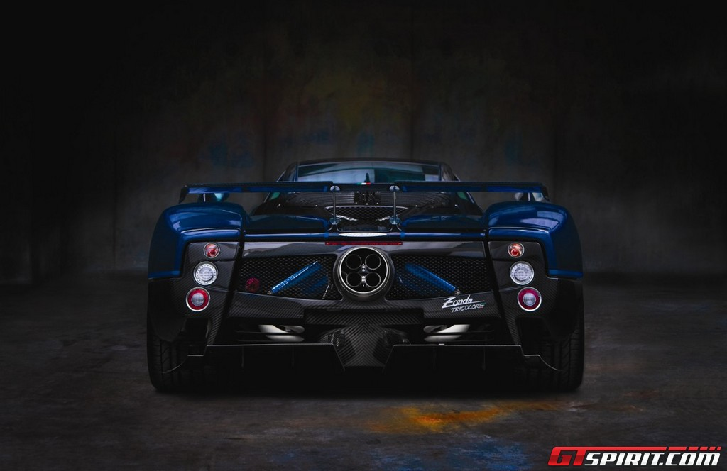 http://www.gtspirit.com/wp-content/gallery/official-pagani-zonda-tricolore/image00007.jpg