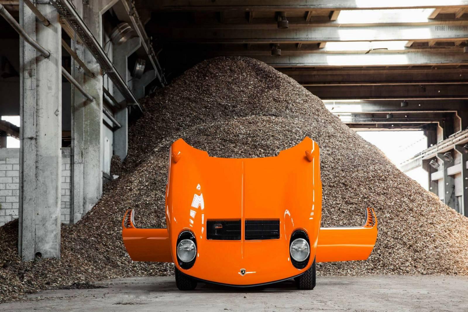 Оранжевая Lamborghini Miura S