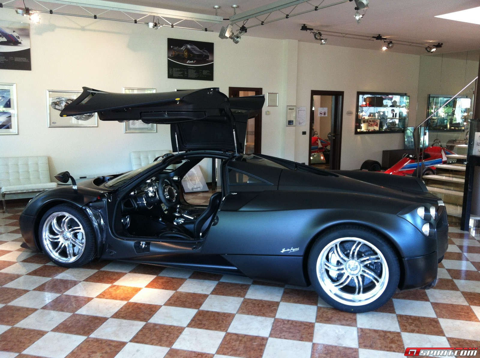 gtspirit-pagani-vanishing-point-2013-013.jpg