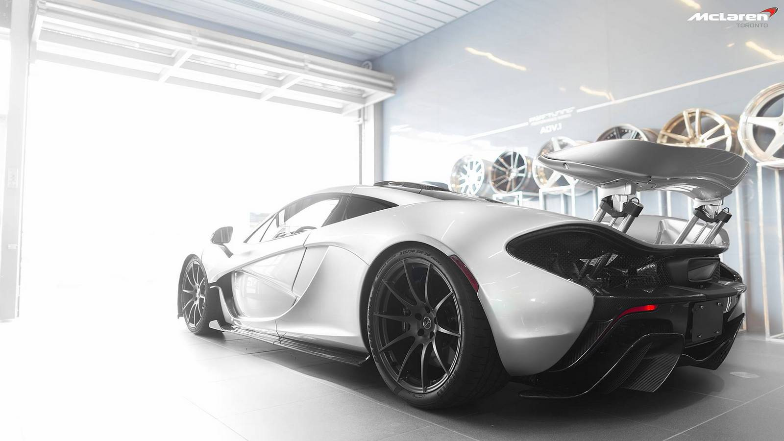 photo of the day canadian mclaren p1 in mercury silver. Black Bedroom Furniture Sets. Home Design Ideas