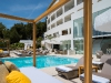 cabanas-und-infinity-pool_c_portals-hills-boutique-hotel_art-sanchez