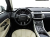 range-rover-evoque-steerig-wheel-and-dashboard