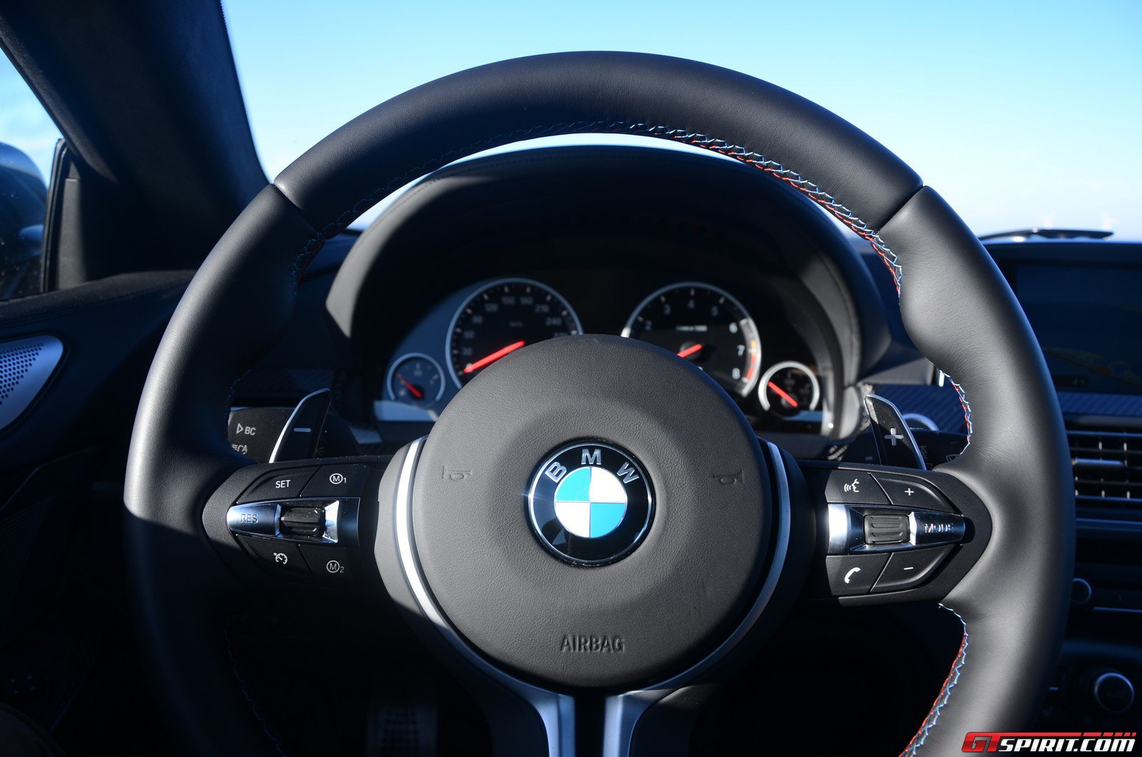 road-test-2012-bmw-m6-coupe-015