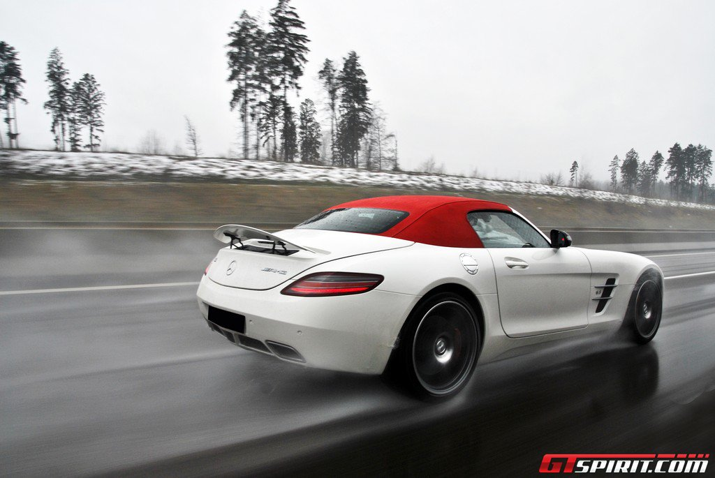 Gtspirit road test 2012 mercedes benz sls amg roadster for 2012 mercedes benz sls amg