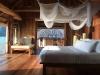 975x660_17_water_villa_bedroom