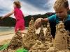 975x660_children_sand_castles