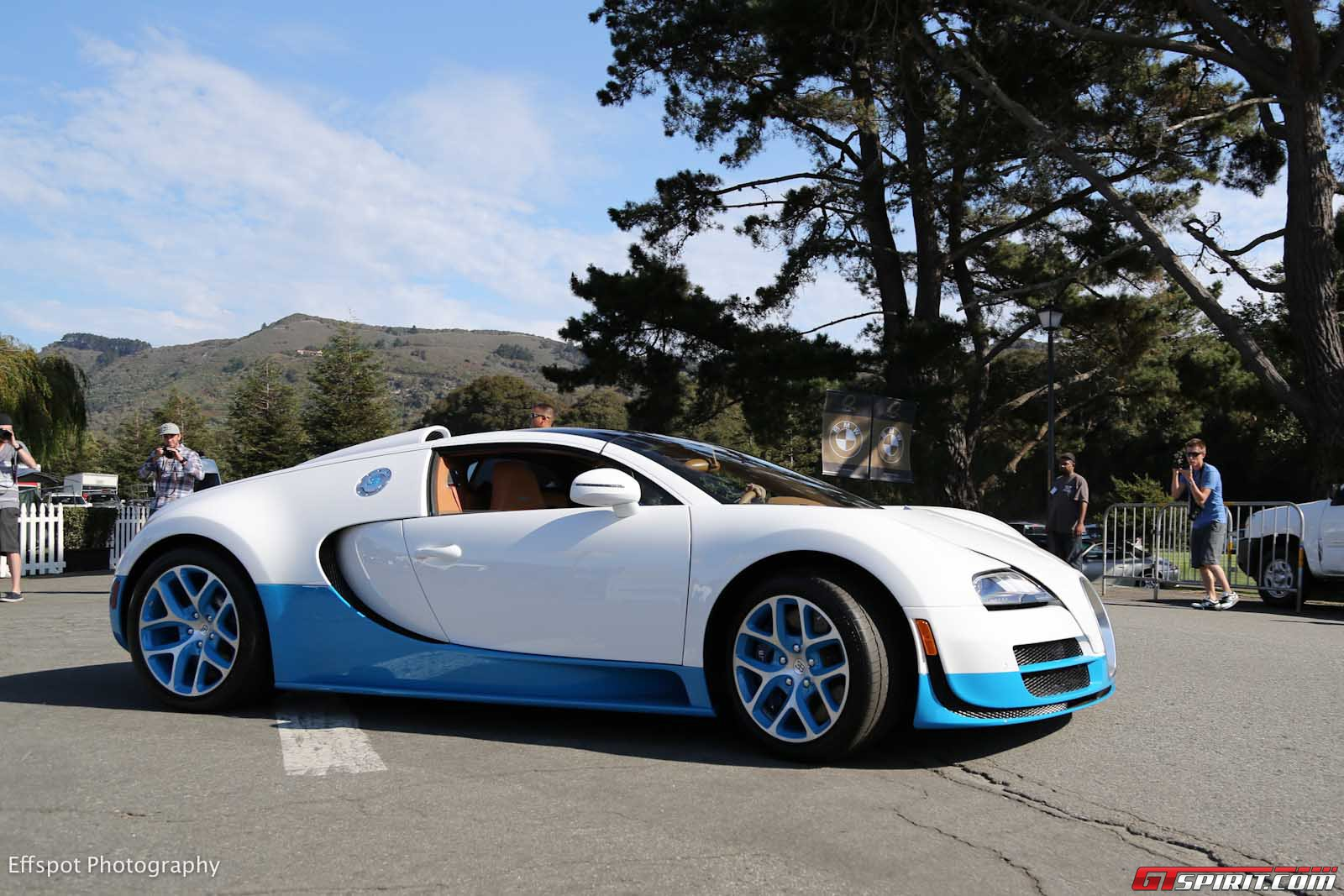 pebble beach 2012 special edition bugatti veyron 16 4 grand sport vitesse sells for gtspirit. Black Bedroom Furniture Sets. Home Design Ideas