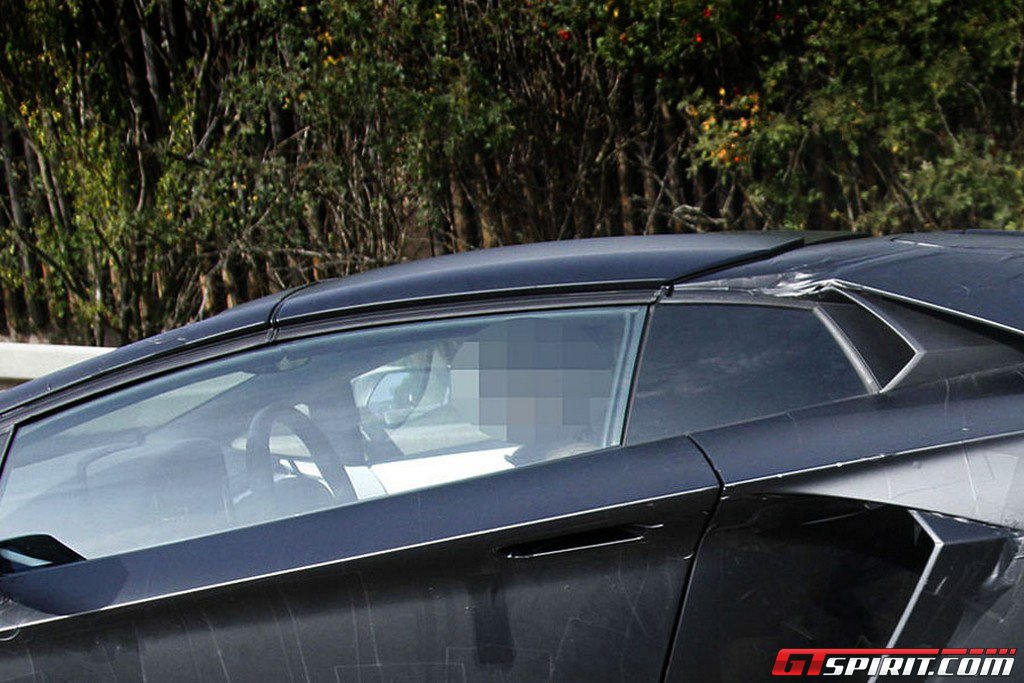 Spyshots 2013 Lamborghini Aventador Roadster Test Mule Photo 4