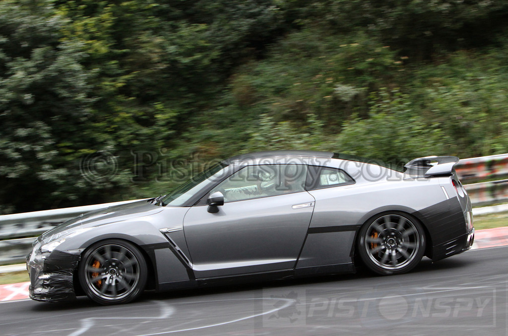 Spyshots 2013/2014 Nissan GT-R Testing at Nurburgring  Photo 1