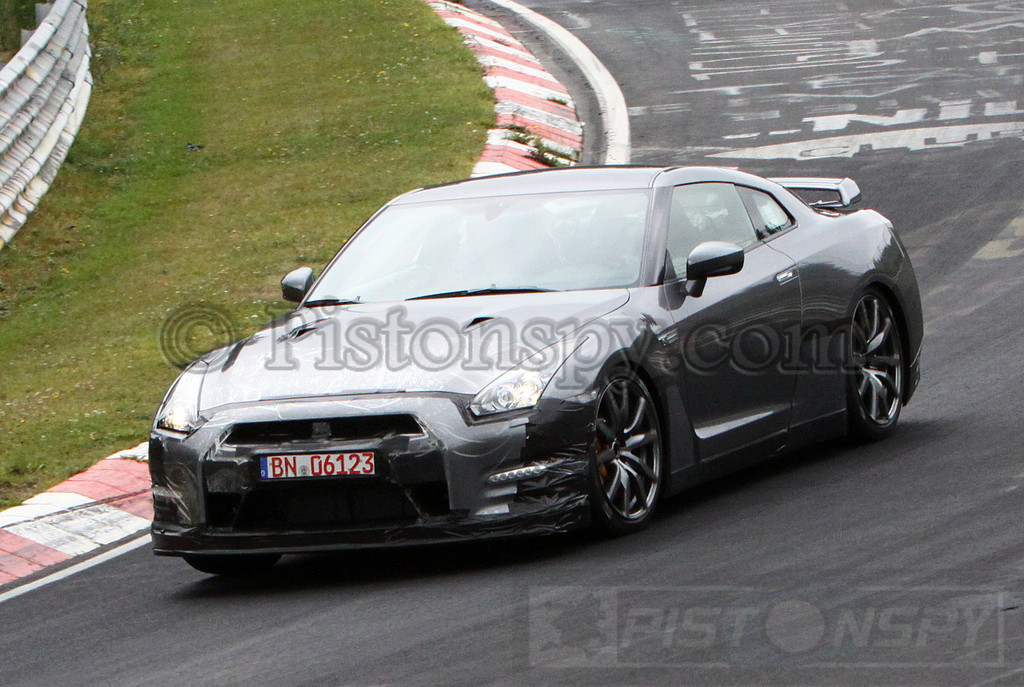 Spyshots 2013/2014 Nissan GT-R Testing at Nurburgring  Photo 3