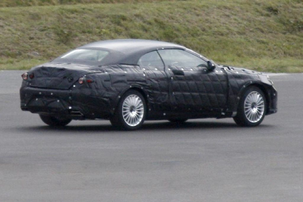 Spyshots: 2014 Mercedes S-Class Cabriolet Photo 3