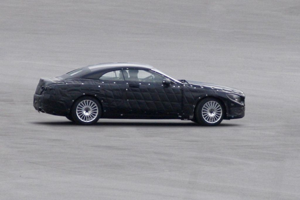Spyshots: 2014 Mercedes S-Class Cabriolet Photo 2