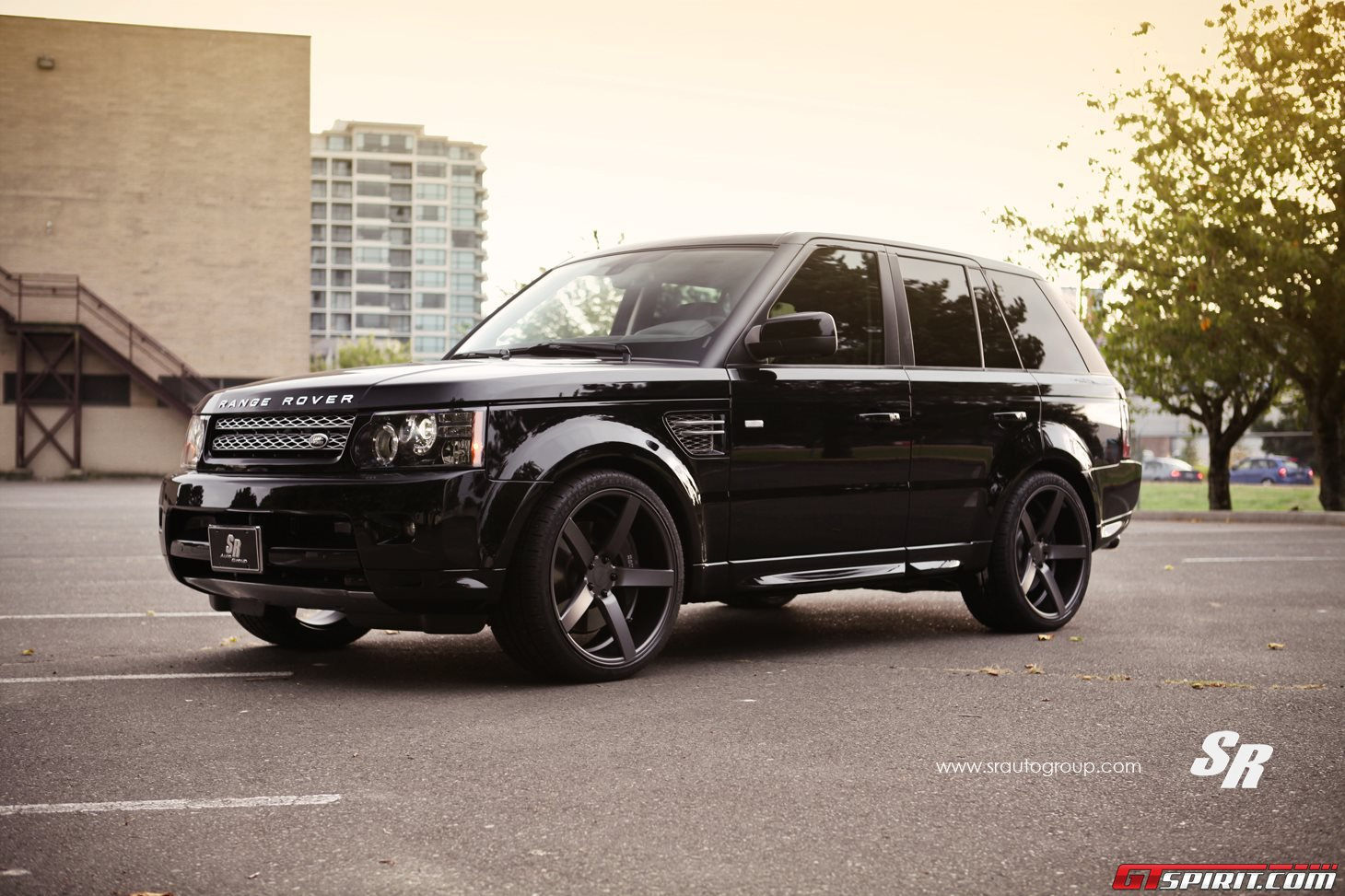 sr auto group range rover on 22 inch vossen wheels. Black Bedroom Furniture Sets. Home Design Ideas