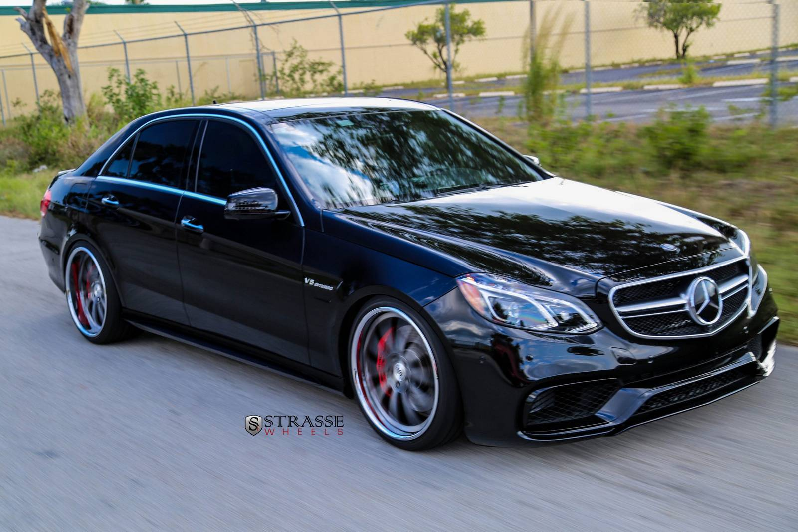 2014 mercedes benz e63 amg s by titanio automotive for Mercedes benz e 63 amg