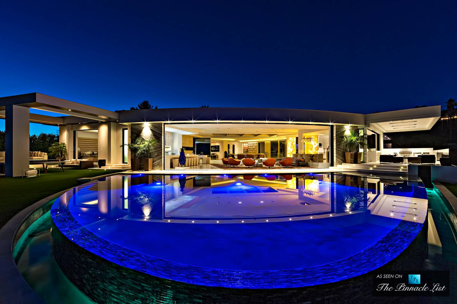 Video incredible 85 million mansion in beverly hills for Luxury homes in beverly hills ca