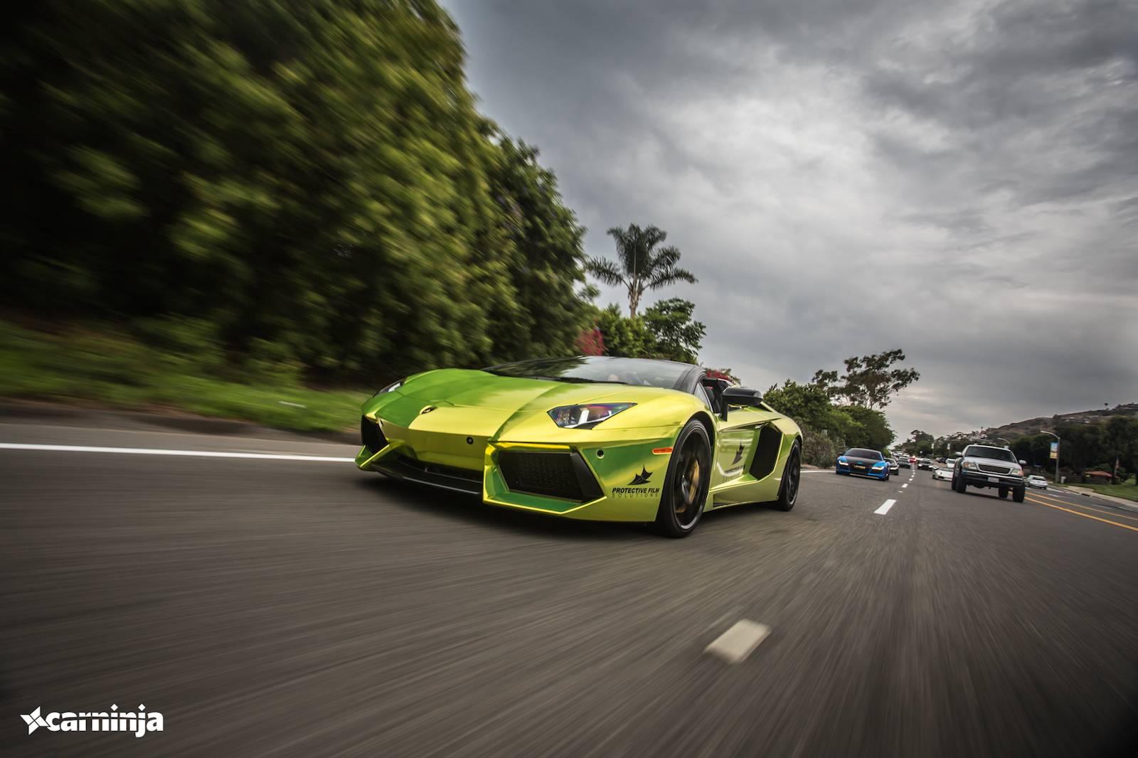 Фото Lamborghini Aventador Roadster