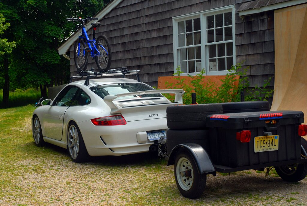 Porsche 911 GT3 With Bike Rack and Trailer