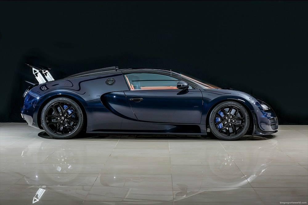for sale unique blue carbon bugatti veyron vitesse in japan. Black Bedroom Furniture Sets. Home Design Ideas