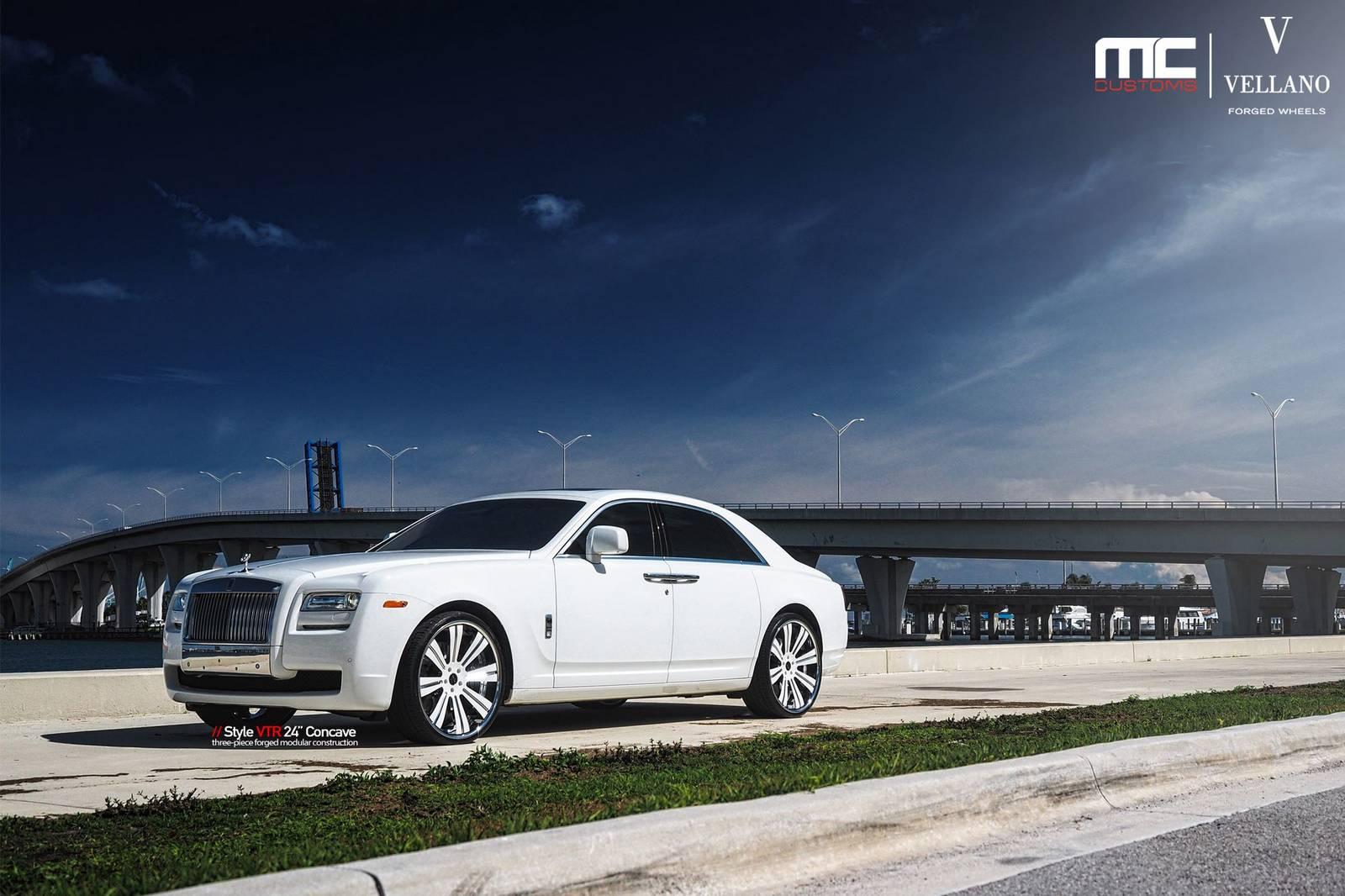 White Rolls-Royce Ghost on 24-Inch Vellano Wheels - GTspirit