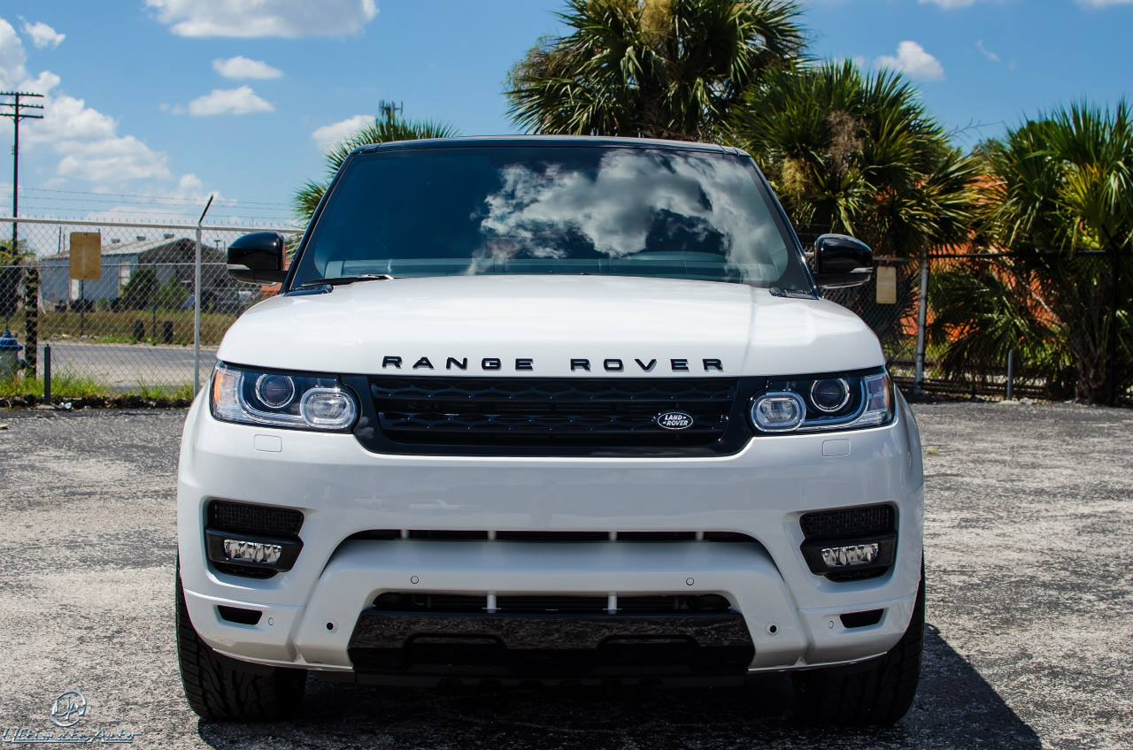 Range Rover Sport is rocking the Stormtrooper look with painted white