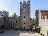castle_courtyard_3232107b