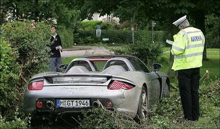 Hamilton Porsche Carrera GT Crash