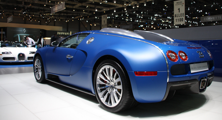 geneva bugatti veyron bleu centenaire details gtspirit. Black Bedroom Furniture Sets. Home Design Ideas