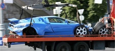 Crash Bugatti Eb110 in Moscow